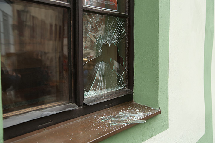 A2B Glass are able to board up broken windows while they are being repaired in Rotherhithe.